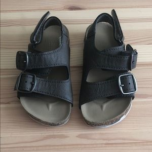 Toddler boy Baby Gap sandals